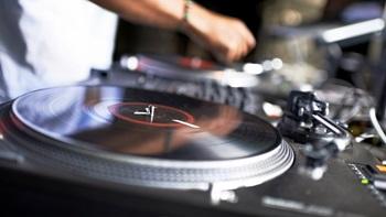 sonido par DJ
