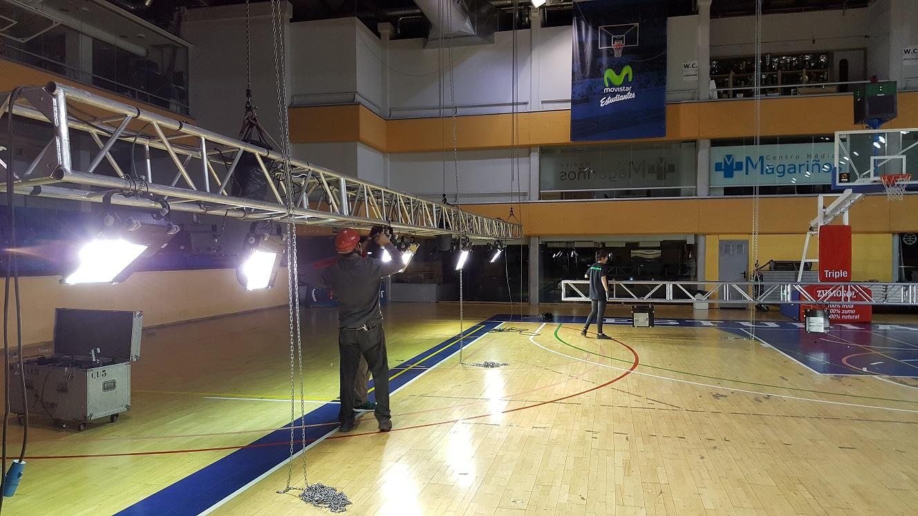 alquiler de Iluminacion baloncesto estudiantes